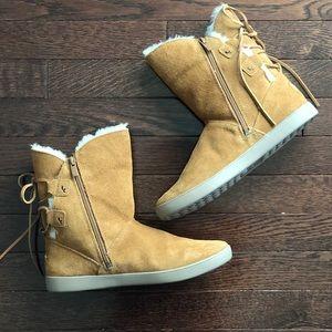 4f7246b44fe NWOT Shazi Short boots Koolaburra by UGG